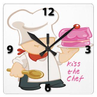 Bese el reloj de pared del cuadrado del cocinero