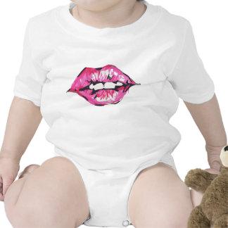 Bese los labios traje de bebé
