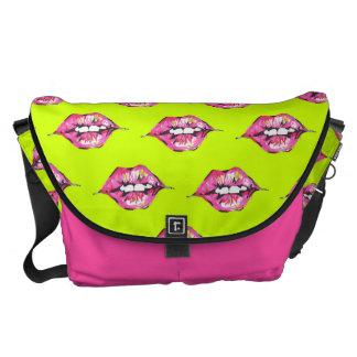 Bese los labios - rosa y amarillo bolsas messenger