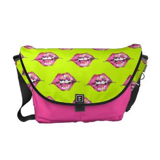Bese los labios - rosa y amarillo bolsas de mensajeria