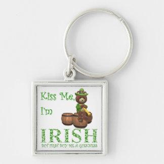 Bese me que soy irlandés, solamente la primera com llavero cuadrado plateado