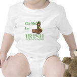 Bese me que soy irlandés, solamente la primera traje de bebé