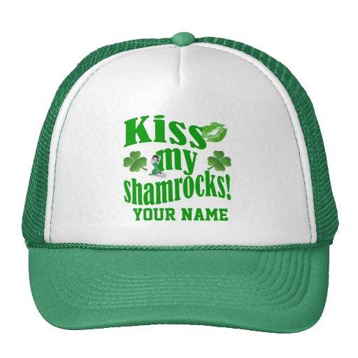 Bese mis tréboles, el día de St Patrick divertido Gorra