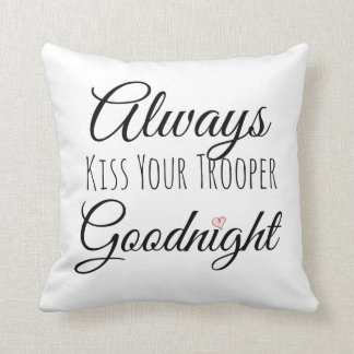 Bese siempre su almohada del soldado de caballería