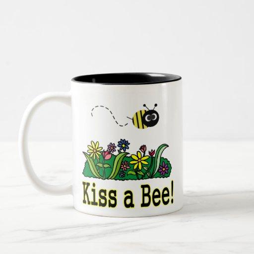 Bese una abeja tazas de café