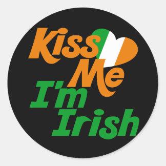 Béseme el irlandés Im Pegatina Redonda