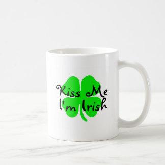 Béseme el irlandés Im Taza