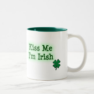 Béseme I' irlandés de m Taza De Dos Tonos