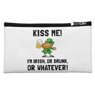 Béseme irlandés bebido