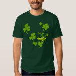 Béseme las camisetas irlandesas del St Paddys de Playera