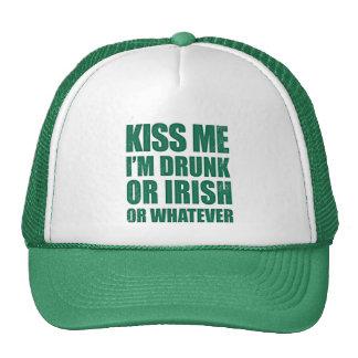 béseme que me beben o irlandés o lo que gorra