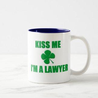 Béseme que soy abogado taza de dos tonos