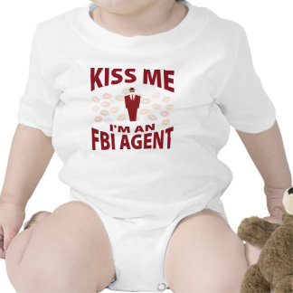 Béseme que soy agente del FBI Camisetas