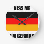 Béseme que soy alemán reloj redondo mediano