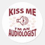 Béseme que soy audiólogo pegatinas redondas