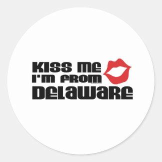 Béseme que soy de Delaware Pegatinas Redondas