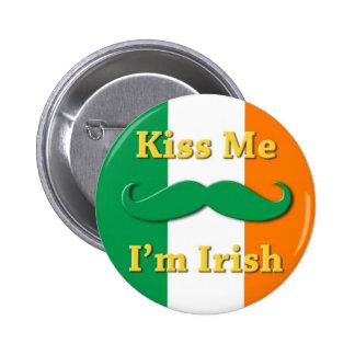 Béseme que soy el botón irlandés No2 Pins