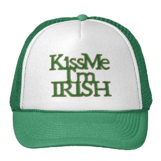 Béseme que soy el día de St Patrick del irlandés Gorro De Camionero