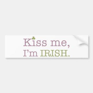 Béseme que soy el día de St Patrick del irlandés Pegatina Para Auto