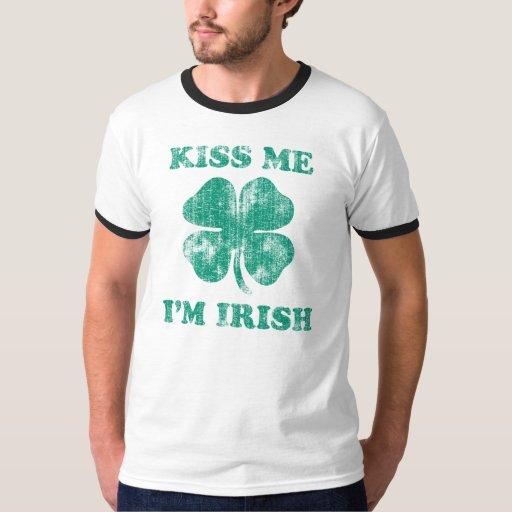 Béseme que soy el día de St Patrick del irlandés Playera