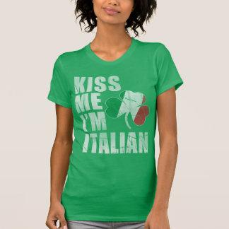 Béseme que soy el día de St Patrick del italiano Playera