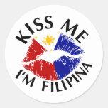 Béseme que soy filipina pegatina redonda
