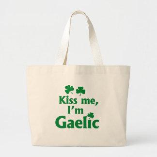 Béseme que soy gaélico bolsas