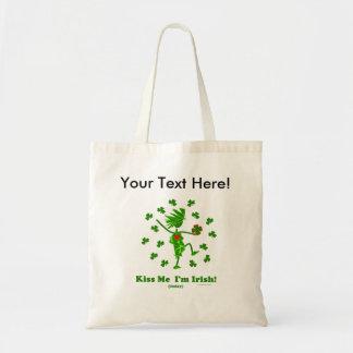 Béseme que soy (hoy) regalos y camisetas irlandese bolsas de mano