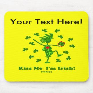 Béseme que soy (hoy) regalos y camisetas irlandese alfombrillas de raton