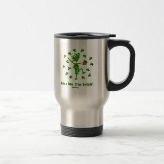 Béseme que soy (hoy) regalos y camisetas irlandese tazas de café