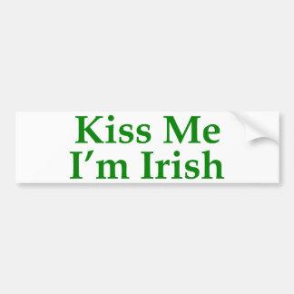 Béseme que soy irlandés etiqueta de parachoque