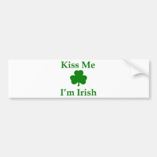 Béseme que soy irlandés pegatina de parachoque