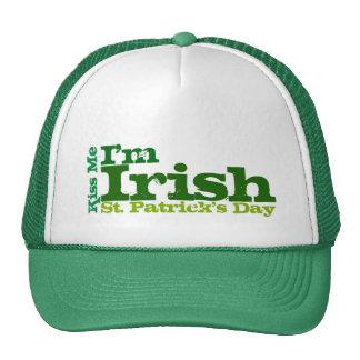 Béseme que soy irlandés, casquillo del día de St P Gorros Bordados