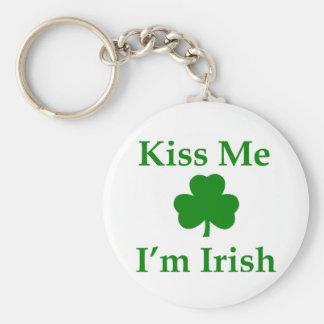 Béseme que soy irlandés llaveros personalizados