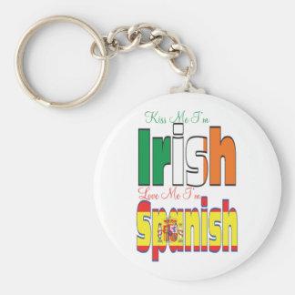 Béseme que soy irlandés me amo soy español llavero redondo tipo pin