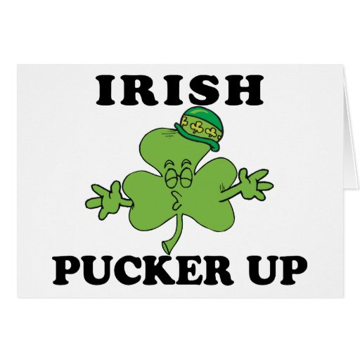 Béseme que soy irlandés tarjeta de felicitación