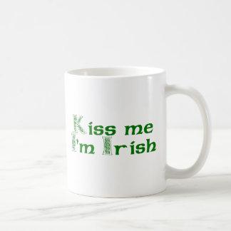 Béseme que soy irlandés taza de café