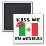 Béseme que soy mexicano imán cuadrado