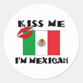 Béseme que soy mexicano pegatina redonda