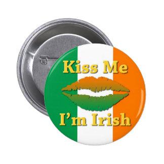 Béseme que soy No1 irlandés del botón Pins