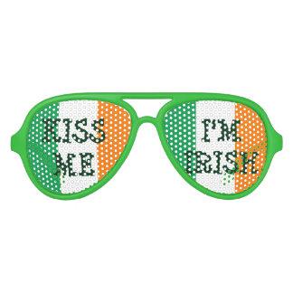 Béseme que soy sombras irlandesas del fiesta del lentes de fiesta