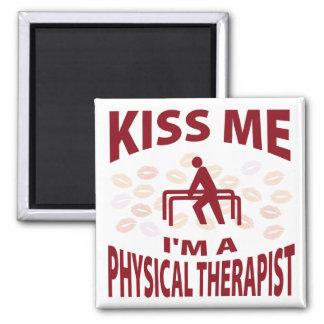 Béseme que soy terapeuta físico imán cuadrado