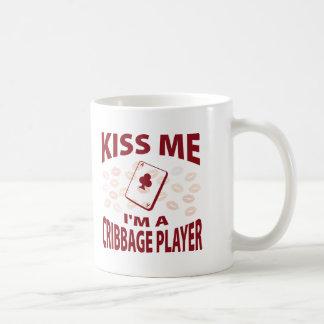 Béseme que soy un jugador de Cribbage Taza