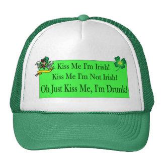 Béseme refrán irlandés gorro