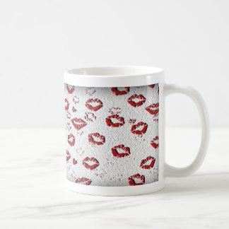béseme usted los labios del tonto taza de café