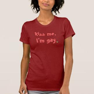 Béseme, yo son camisa gay