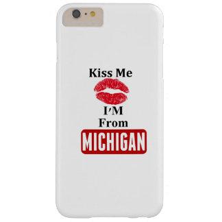 Béseme, yo son de Michigan Funda Para iPhone 6 Plus Barely There