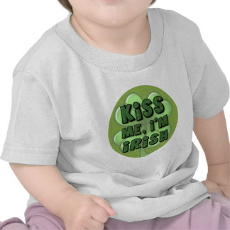 Béseme yo son el irlandés 2 camiseta