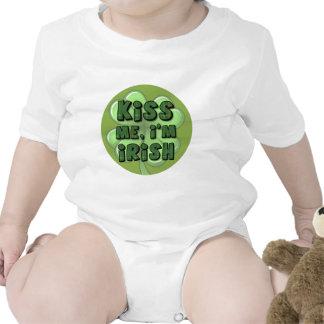 Béseme yo son el irlandés 2 trajes de bebé