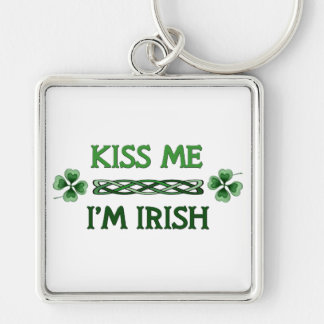 Béseme, yo son irlandés llavero cuadrado plateado